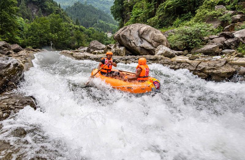 九畹溪峽谷競漂流
