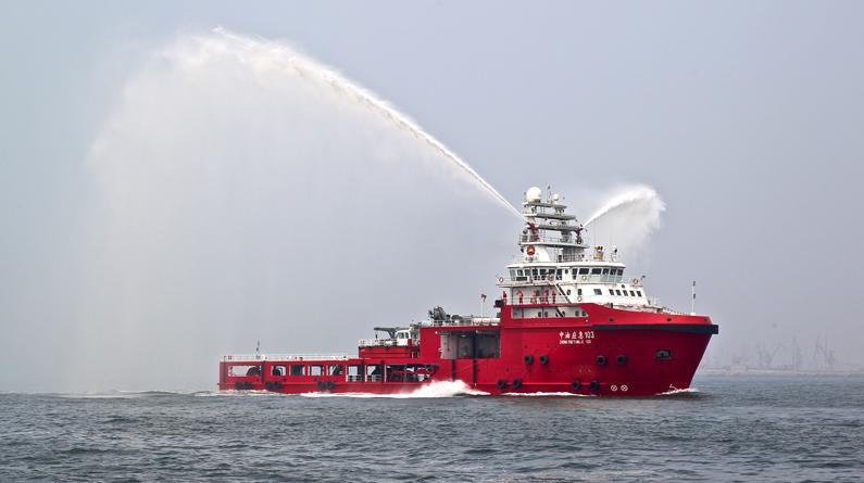 秦皇岛举行水域大型客船人命救助暨污染事故应急联合演习