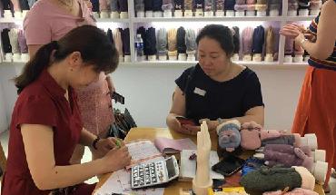 辛集市位伯鎮舉辦首屆全國手套訂貨會