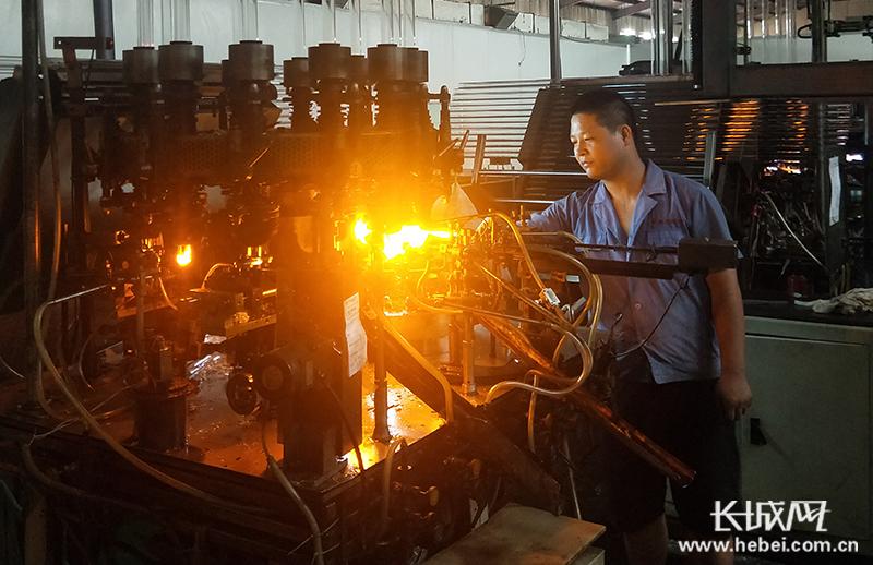 河北沧县:小药瓶撬动大产业
