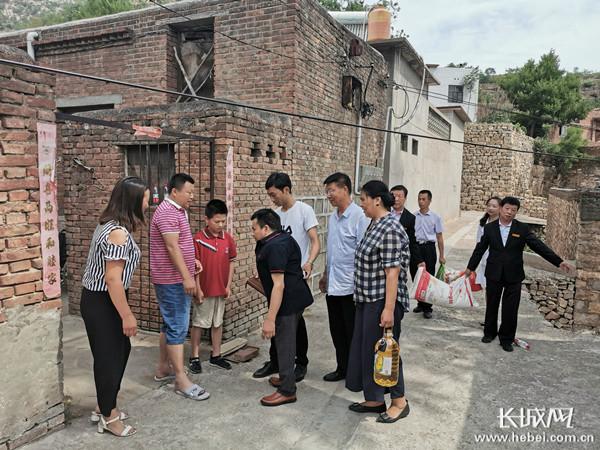 磁县腾龙学校:绝不让一个孩子因贫失学?