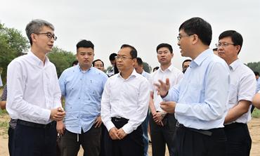 陈刚调研唐河污水库及周边地区生态环境治理工作