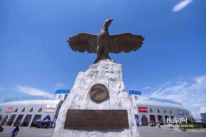 """【新疆是个好地方】从""""人迹罕至的边陲小镇""""到""""游客如织的购物造梦西游3通风灵戒"""