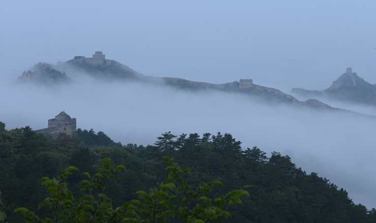 河北承德:金山岭长城现云海景观