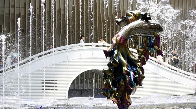 """北京一写字楼内现""""音乐喷泉"""" 人造喷雾似""""仙境"""""""