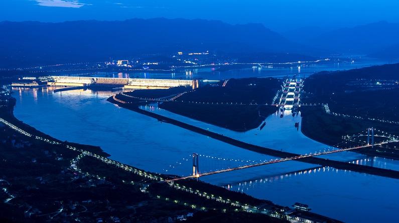 湖北:三峡大坝拦蓄洪水 减轻长江中下游防洪压力