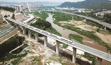京哈高铁哈尔滨至承德正式开通