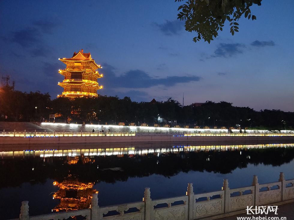 沧州大运河畔夜景璀璨怡人