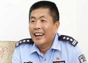 视频|【人民满意的公务员】梁小辉,和艾滋病犯打交道这十年