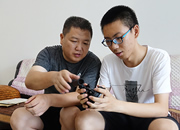 视频|16岁少年发明擦玻璃神器,只为心疼妈妈!