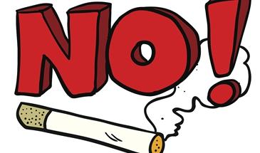 承德:游客景區內吸煙存安全隱患