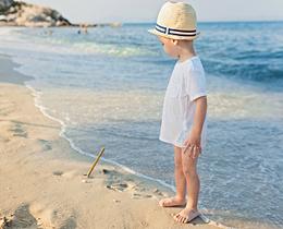 海边游玩被晒伤,如何防护?