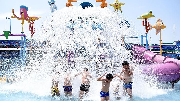 河北邯郸:大暑戏水享清凉