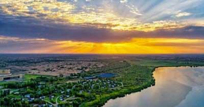 坚持走绿色发展之路 共筑生态文明之基