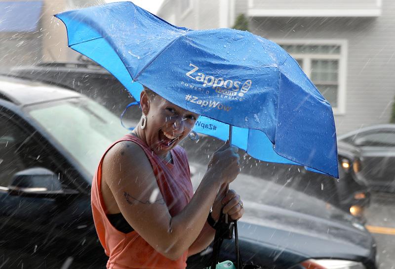 美国波士顿遭遇雷暴天气