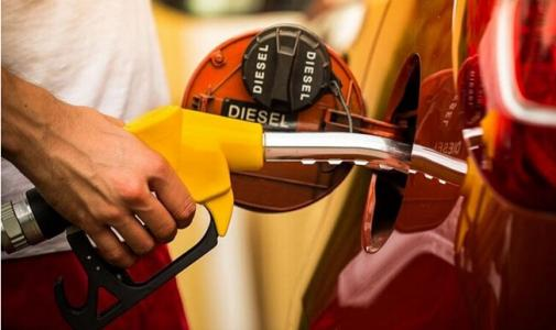搁浅or压线下调?国内成品油价预计不涨了