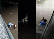 """【向上吧河北】沧州最美交警雨中""""潜水"""" 有你便是最美的晴天"""