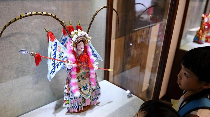 """""""青蓝门径·福建青年艺术家雕刻作品展""""在福州展出"""
