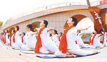 武强积极引导各界群众参加群体性体育文化活动