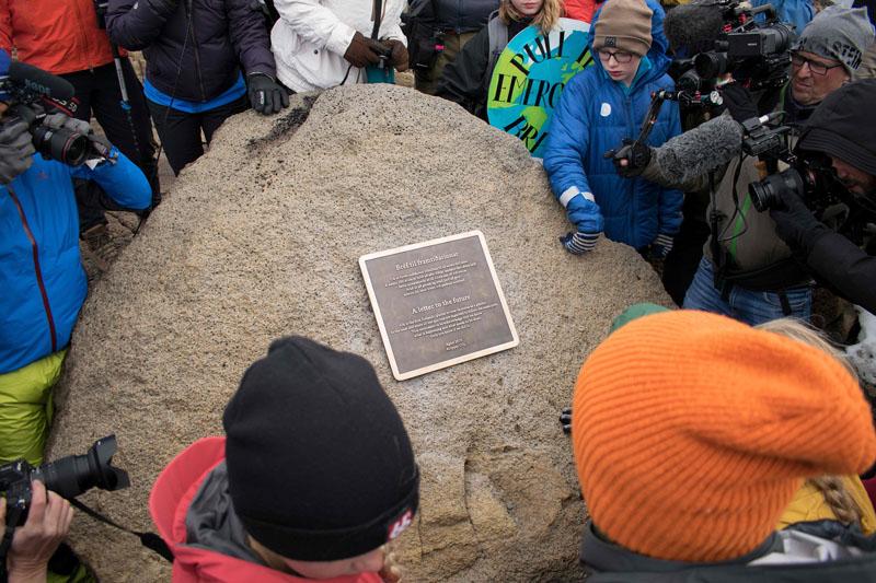 """冰岛为消失冰川举行""""追悼会"""""""