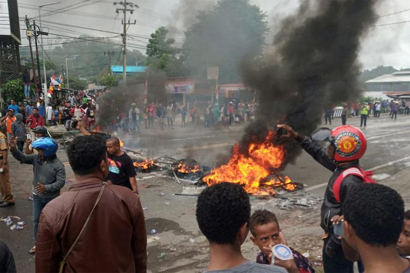 印尼警方逮捕学生引抗议