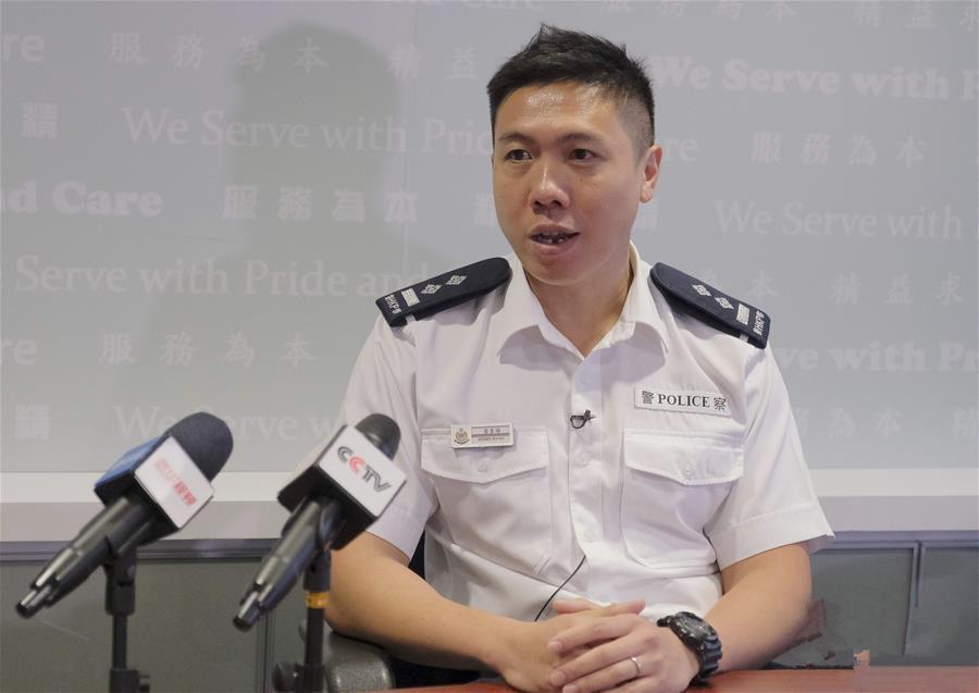 """香港警察:""""为了维护法纪,受伤也值得!"""""""
