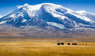 承德驴友登顶海拔7546米冰山之父慕士塔格峰