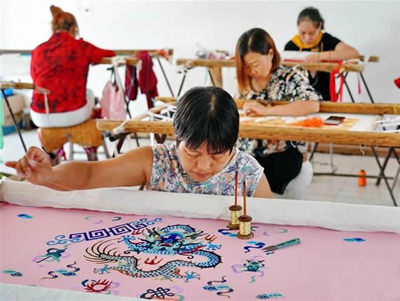 河北肃宁:传承传统戏曲服装服饰制作技艺