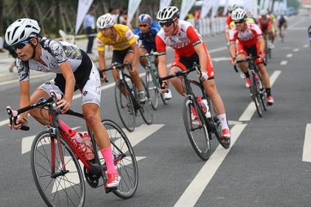 石家庄国际自行车环城赛开赛