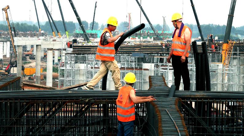 【聚焦自贸区】甘洒汗水筑通途<br>——北京大兴国际机场北线高速公路建设纪实