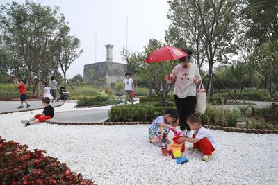 燕墩公园开园 北京中轴线再添新绿