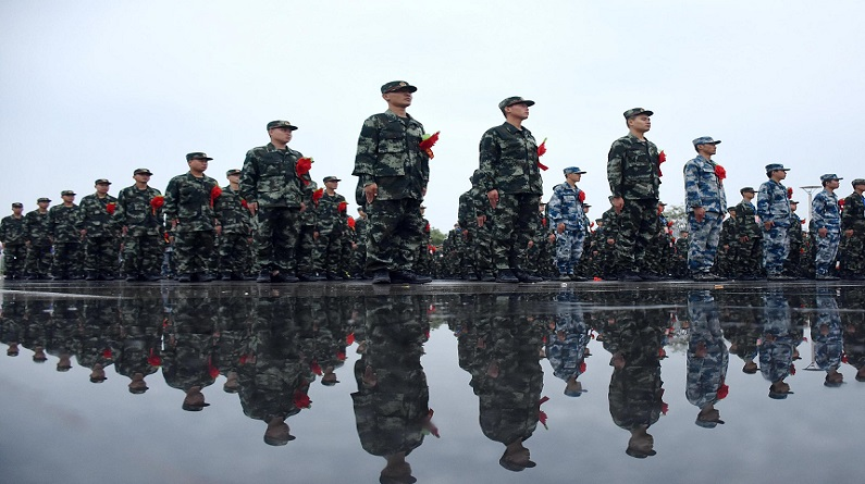 河北邢台:新兵入伍前往祖国边疆接受锻炼