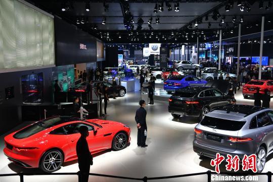 8月汽车产销同比分别下降0.5%和6.9%