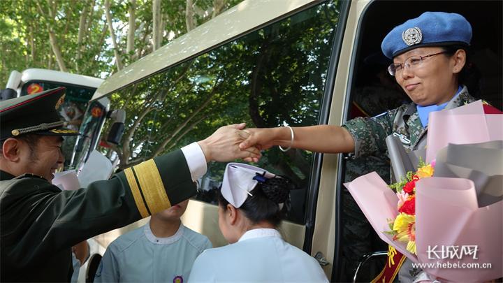 中国第10批赴南苏丹维和医疗分队出征
