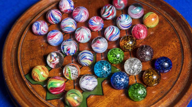 英国:维多利亚时代玻璃弹珠将被拍卖 色彩绚丽价格高昂