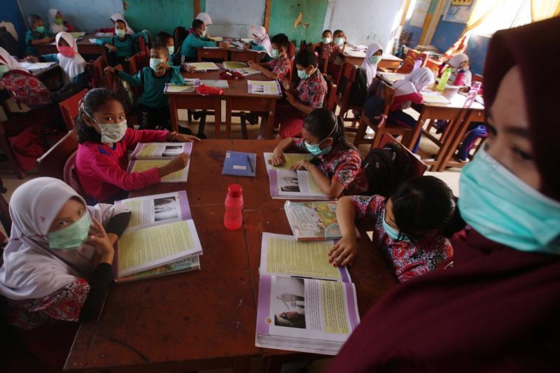印尼巴邻旁空气污染严重