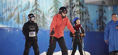 """""""滑雪+路跑"""" 带你体验不一样的冰雪乐趣"""