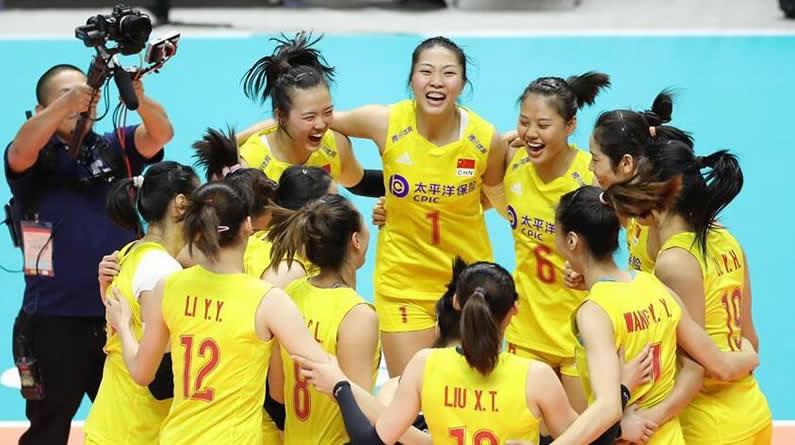 【高清图】祝贺!女排世界杯:中国队3比0战胜美国队