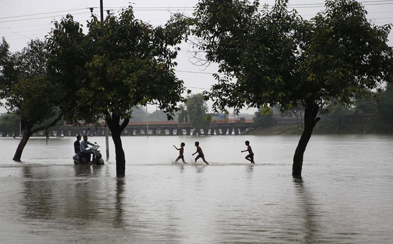 印度強降雨造成44人喪生