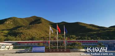 京張冬奧工程建設者唱響《我和我的祖國》