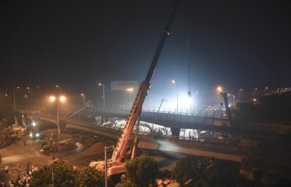 无锡高架桥侧翻事故致3死2伤 事故原因系运输车辆超载
