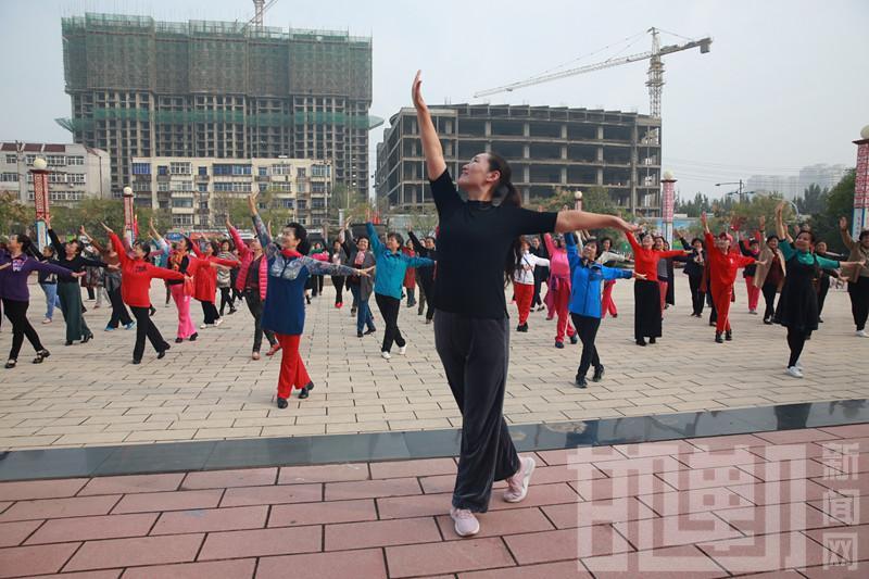 """邯郸市健身体操舞委员会举办""""健身操舞公益培训""""活动"""