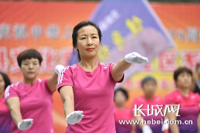 文安:文化惠民进社区 共创文明幸福城