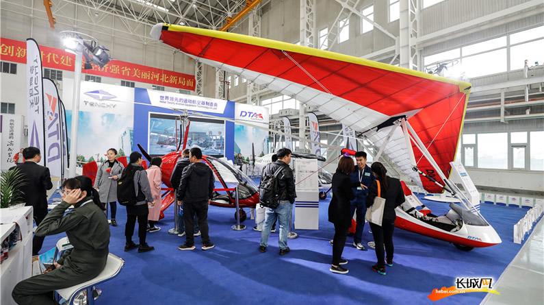 【高清组图】2019航博会:看!这么多飞机!