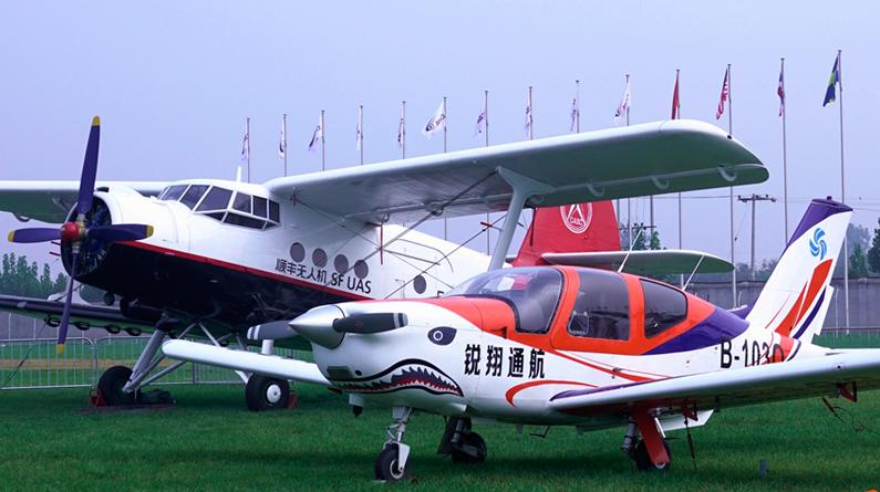 【高清组图】周末到栾城看飞机去!