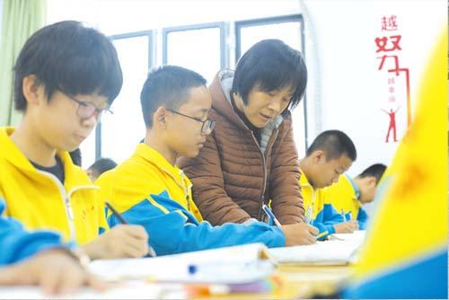 衡水滨湖志臻班主任术后14天返校上课