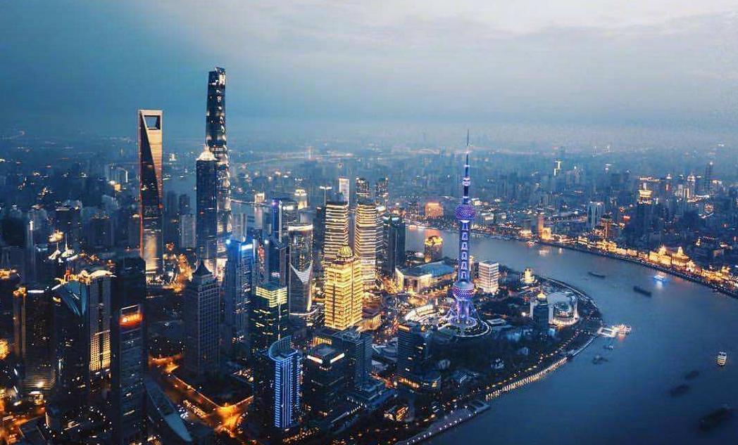 31省份前三季消费榜:京沪人均超3万,9省领跑全国