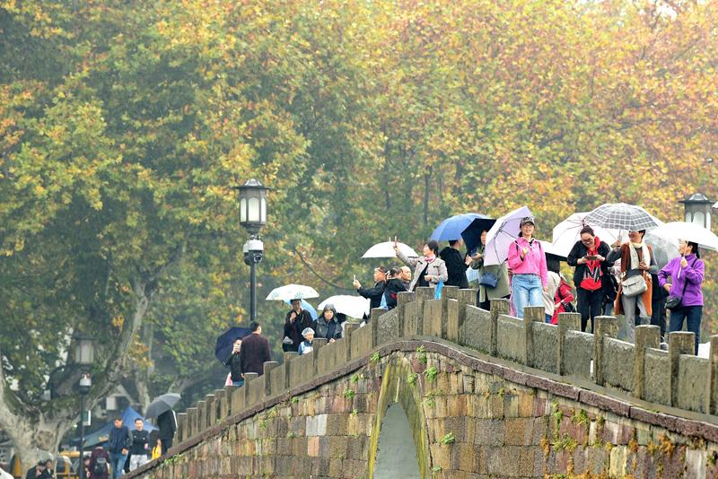 立冬前夕 杭州降雨降温