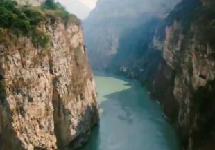 微视频《大江奔腾》