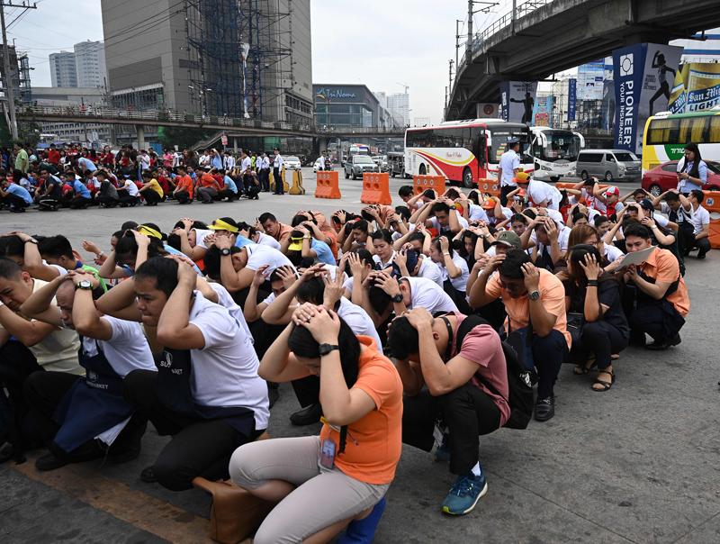 菲律宾马尼拉举行地震演习